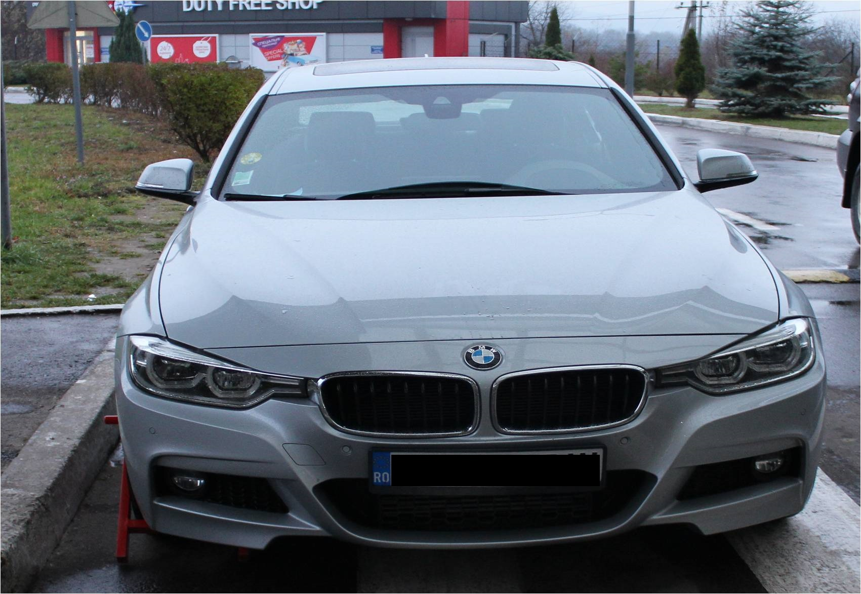 Border guards detained the new BMW stolen in France